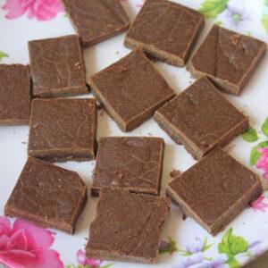 شکلات وانیل